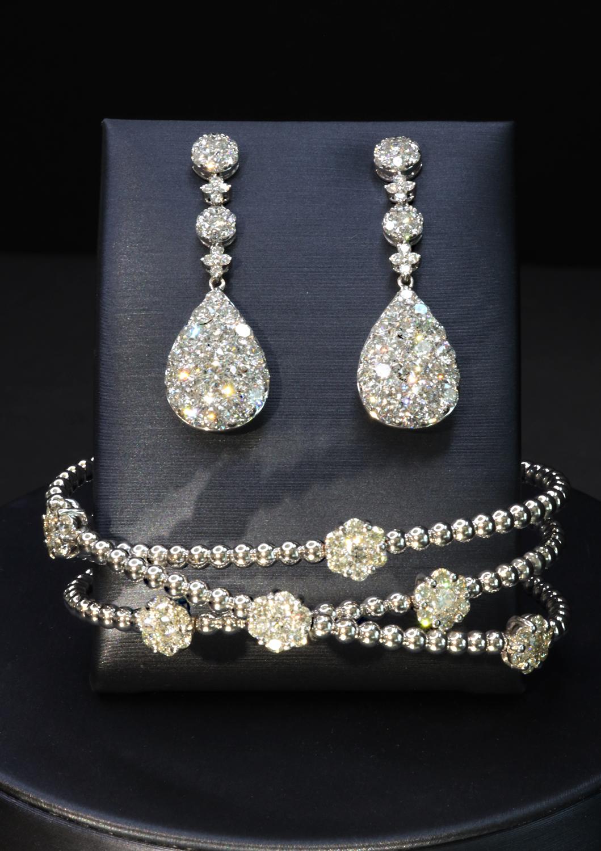 New York ecommerce photography  product photographer jewelry photographer, fashion apparel photographer , ring photographerdiamond